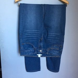 FOREVER21 High Waisted Straight Leg Jeans 27